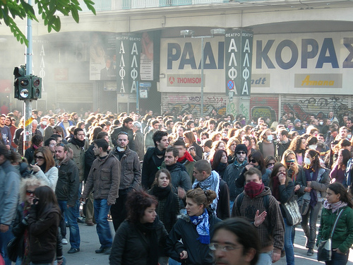 Greek protests are becoming more frequent, and more violent. Could austerity fatigue in Europe produce a similar backlash as in Latin America? (Photo taken by Endiaferon and published on Flickr under a CC BY-NC-SA 2.0 license)