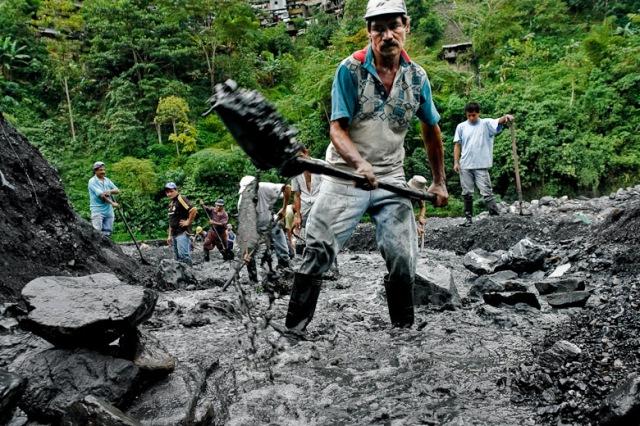 Emerald miners, Muzo Colombia