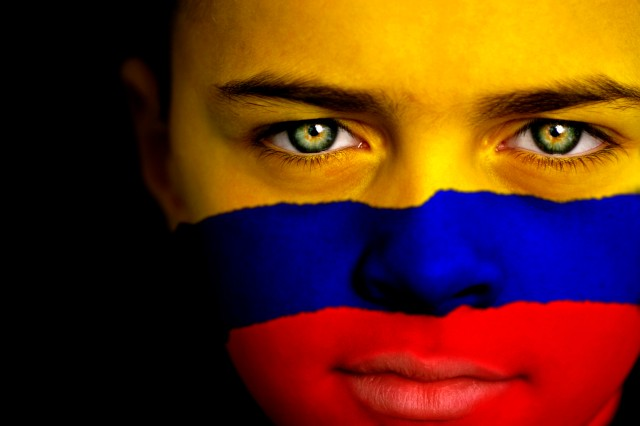 COLOMBIA-FLAG-facebook