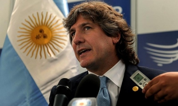 If Boudou can't hide his own tricks, how can he hide the country's?