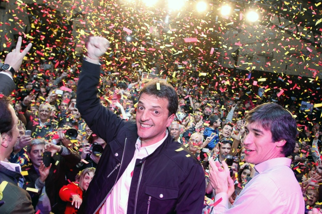 Sergio Massa of the opposition wins big in Buenos Aires Province