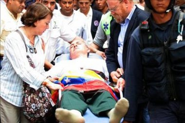 Caracas mayor Antonio Ledezma went through a hunger strike to demand that the national government release the funds to pay municipal workers.