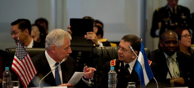 US Defense Secretary Chuck Hagel with El Salvadoran Defense Minister David Munguia in Arequipa